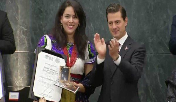 JOVEN NAVARRO FUE RECONOCIDA CON EL PREMIO NACIONAL DE LA JUVENTUD EN CIENCIA Y TECNOLOGÍA