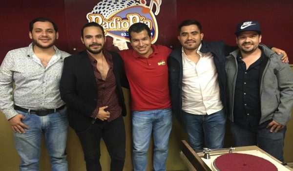 BANDA LEGAL DE VISITA EN RADIO PÍA