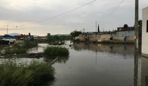 ATIENDE GOBIERNO DEL ESTADO Y MUNICIPIO DE YURÉCUARO PROBLEMAS DE ANEGACIÓN EN ALBERGUE DE JORNALEROS