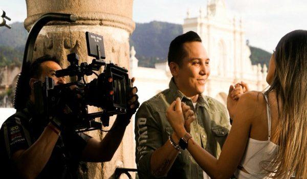"""LA ANTIGUA GUATEMALA ES EL ESCENARIO QUE LE DIO VIDA A """"DORMIDA"""", EL NUEVO VIDEO DE EDWIN LINA Y LA TRAKALOSA DE MONTEREY"""